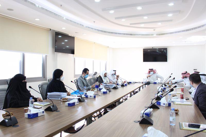 مجلس كلية الدراسات العليا يعقد اجتماعه الرابع خلال هذا العام