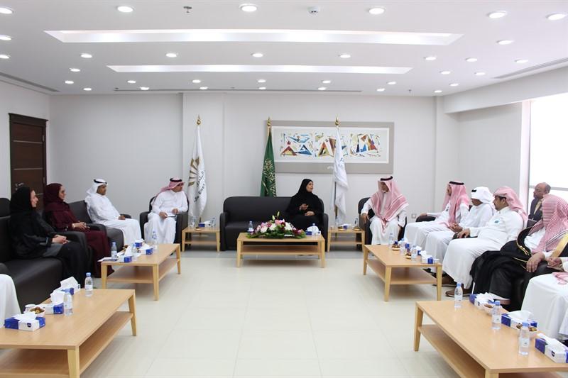 وكيلة وزارة التعليم للتعليم الجامعي الأهلي تزور كليات الشرق العربي