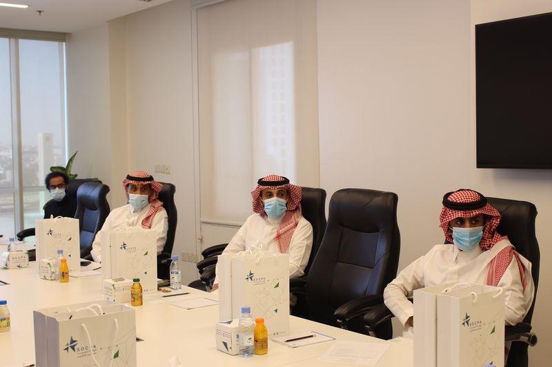 طلاب الدراسات العليا بقسم المحاسبة في زيارة لهيئة المحاسبين
